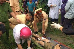 Ô tô 7 chỗ lao xuống vực sâu ở Sa Pa khiến 3 người bị thương