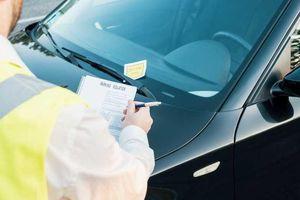Ghi vé phạt đỗ xe, mỗi năm thu về 1,4 tỷ USD
