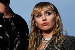 Bella Hadid quyến rũ, Miley Cyrus mặc cá tính nổi bật nhất tuần qua
