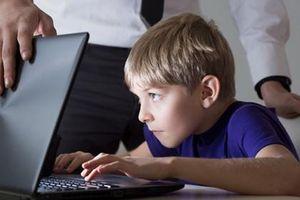 Cách tìm ra trẻ đăng gì trên Facebook, an toàn hay không?