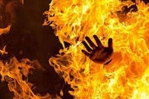 Nghi án vợ tưới xăng đốt chồng do ham mê cờ bạc