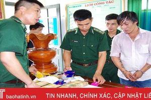 Lái xe đầu kéo 'tuồn' 40.000 viên hồng phiến từ Lào về qua Hà Tĩnh