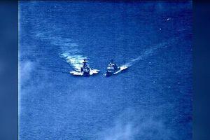 Chiến hạm Mỹ, Nga suýt va chạm trên biển
