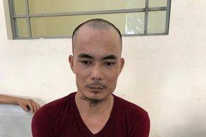 Vừa ôm ma túy vừa thản nhiên đứng xem cảnh sát 141 làm việc, người đàn ông liền bị bắt giữ