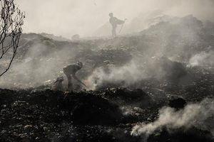 Những bức ảnh ám ảnh về ô nhiễm không khí trưng bày tại các trường đại học ở TP.HCM