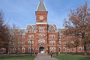 Mỹ: Gần 180 sinh viên bị tiến sĩ lạm dụng tình dục