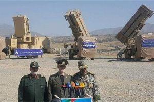 Iran tiết lộ hệ thống phòng thủ tên lửa tối tân đánh chặn được mục tiêu tàng hình