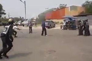Cảnh sát tung lưới bắt kẻ múa dao giữa phố