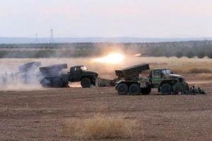 Quân đội Syria khai hỏa bão siêu pháo phản lực áp chế khủng bố ở Hama