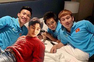Minh Vương họp team Thái Bình, fan 'lầy lội' ghép cả Sơn Tùng M-TP