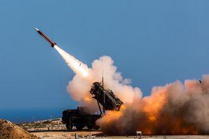 'Người khổng lồ' công nghệ quân sự - không gian Mỹ ra đời