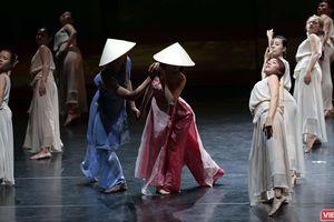 Ba nàng Kiều đẹp lộng lẫy mang 'Truyện Kiều' trở lại với khán giả Việt