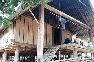 Nghệ An: Mâu thuẫn, cha chém chết con trai ruột