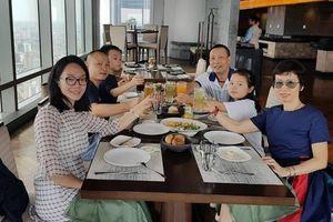 Chuyện hiếm hoi khi MC Lại Văn Sâm khoe ảnh gia đình