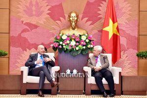 Chủ nhiệm Ủy ban văn hóa, Giáo dục, Thanh niên, Thiếu niên và Nhi đồng Phan Thanh bình tiếp Đại sứ Italy tại Việt Nam