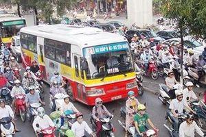 Hà Nội tổ chức lại giao thông tại 5 'điểm đen' ùn tắc