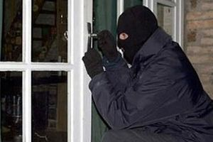 Công nhân liên kết trộm cắp tài sản của công ty