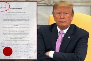 Tổng thống Trump 'chơi trội', ký một mình một kiểu trong tuyên bố chung với lãnh đạo các nước
