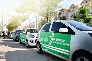 Tranh cãi về tiền đóng thuế của taxi công nghệ