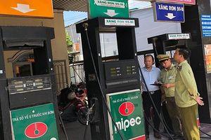 Quản lý thị trường tổng kiểm tra toàn quốc các cửa hàng xăng dầu