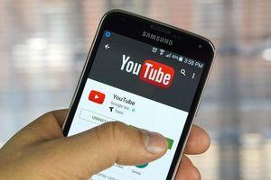Doanh nghiệp bị chèn quảng cáo vào clip độc trên YouTube: Quýt làm cam chịu