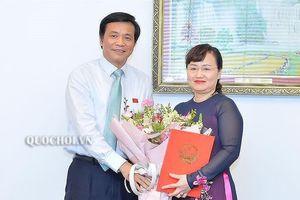 Trao quyết định bổ nhiệm Phó Chủ nhiệm Văn phòng Quốc hội