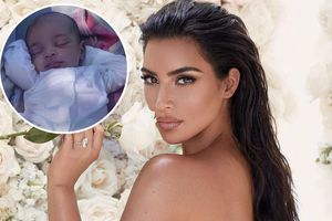 Kim 'siêu vòng ba' khoe ảnh con trai út được sinh bằng phương pháp mang thai hộ