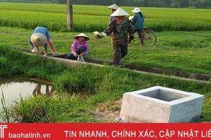 Nông dân Hương Sơn mở chiến dịch làm sạch đồng ruộng