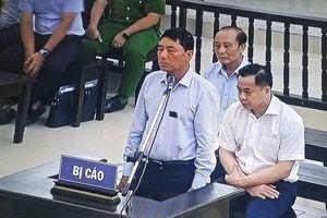 Bị cáo Trần Việt Tân 'xuống bút' khi chưa nghiên cứu