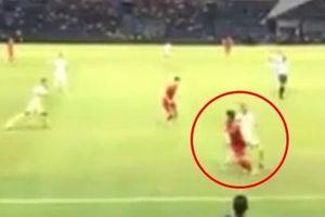 Clip giờ mới lên sóng: Người hâm mộ tròn mắt với tình huống lừa bóng đối thủ cực điệu nghệ của Quang Hải