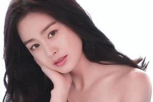 Kim Tae Hee được khen 'đẹp xuất sắc chẳng khác nữ thần' dù đang mang thai lần 2