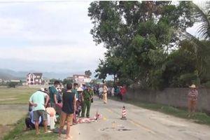 Xe tải va chạm xe máy khiến 2 mẹ con thương vong