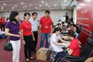 Công đoàn Ngân hàng TechcomBank tổ chức Ngày hội ' Hiến máu vì cộng đồng'