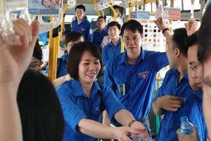 Hà Nội: Hơn 500 đoàn viên, thanh niên đồng hành cùng xe buýt mỗi 'thứ sáu xanh'