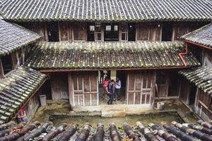 Bộ VHTTDL lên tiếng vụ 'đóng cửa' Dinh thự họ Vương : Tất cả các di tích lịch sử văn hóa, danh lam thắng cảnh, các thiết chế văn hóa nói chung phải luôn được mở cửa để phục vụ người dân