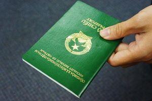 Đề xuất thu 'phí chia tay' khi công dân xuất cảnh ra nước ngoài