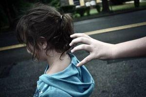 Tạm giữ bí thư đoàn phường bị tố dâm ô bé gái 11 tuổi