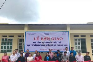CĐ Y tế Việt Nam bàn giao nhà công vụ cho Trạm y tế xã Phan Thanh