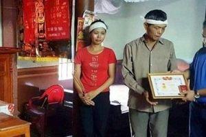 Nam sinh cứu bạn đuối nước được tặng Huy hiệu 'Tuổi trẻ dũng cảm'