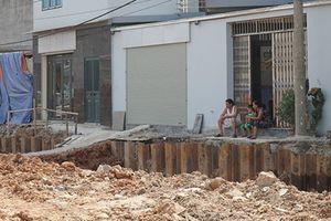 Hà Nội: Đào vỉa hè sâu hàng mét khiến cuộc sống người dân đảo lộn