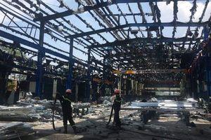 Cháy lớn trong khu công nghiệp Thụy Vân, TP Việt Trì