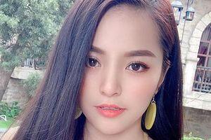 9x không biết Đông Nhi là ai xinh như hot girl