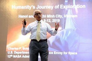 Giới trẻ Việt Nam háo hức đặt câu hỏi với phi hành gia 4 lần vào vũ trụ