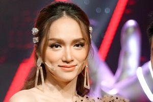 Hoa hậu Hương Giang gây tranh cãi khi ngồi ghế nóng 'Giọng hát Việt nhí 2019'