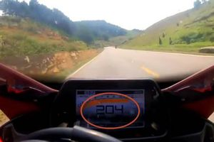 Dân mạng nguyền rủa biker phóng mô tô 204km/h ở Mộc Châu còn tự hào khoe clip