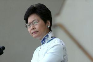 Không rút dự luật dẫn độ, Trưởng đặc khu hành chính Hong Kong bị dọa giết