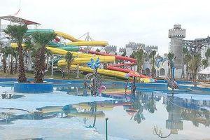 Cháu bé tử vong do đuối nước tại công viên nước mới khai trương