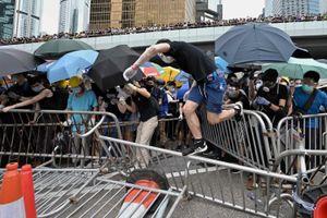 Biểu tình rúng động Hong Kong khiến các doanh nghiệp lớn hoang mang