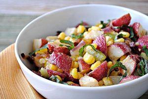 Công thức làm salad khoai lang trộn ngô dễ ăn ngày nóng