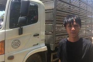 Tài xế xe tải bị 'hôi vịt': Có phải đền cho chủ?